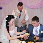 Поющий ведущий Валерий и ди-джей Татьяна