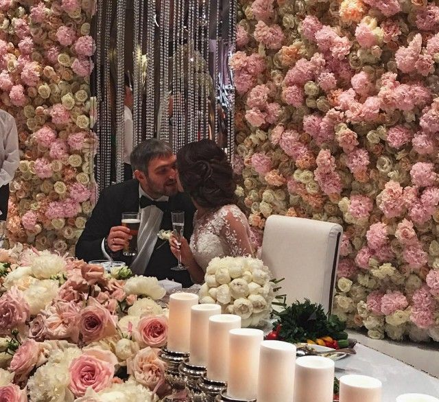 Овечкин и Шубская сыграли шикарную свадьбу в Барвихе (1)